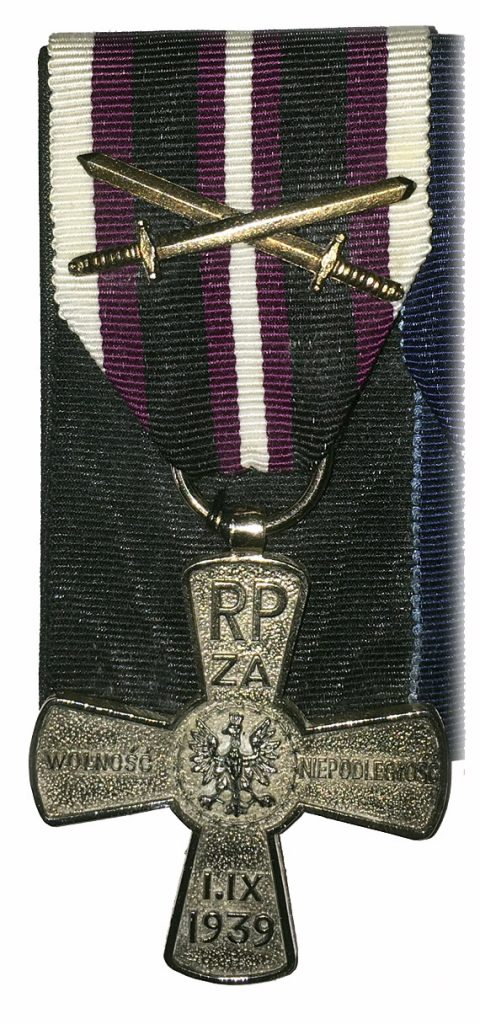 This image has an empty alt attribute; its file name is Polish-Cross-of-Independance-with-Swords1939-1945-2-480x1024.jpg